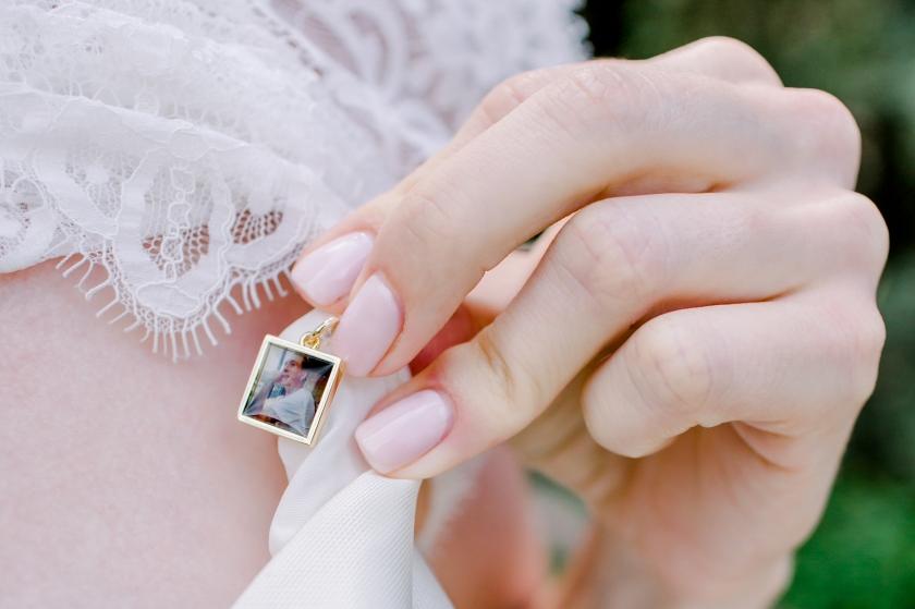 Yvonne Sanders Photography_AshleyBobby_Iowa Wedding Photographer 0881